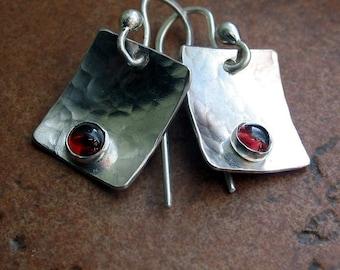 Sterling Silber Granat Ohrringe - zierliche Beeren