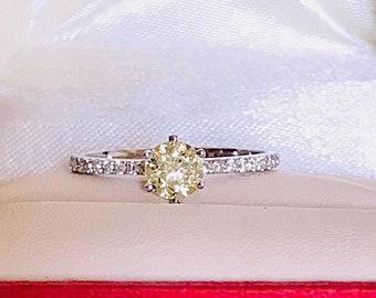 0.70ct K vs2 Diamond 18k solid gold engagement ring