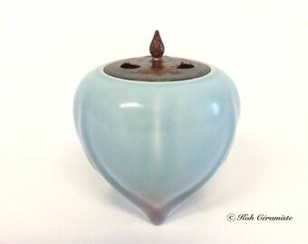 Porcelain Celadon incense holder