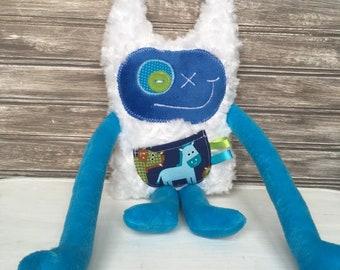Monster plush toy, handmade monster doll, blue with horse or zebra print pocket, monster for boys, plushie, unique  gift, Monstre à Câlins