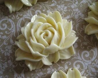 Resin Flower Cabochon / 3 pcs Light Goldenrod Yellow Rose/ 34mm x 45mm x 17mm