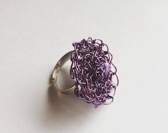 Crochet wire ring - purple/lavender