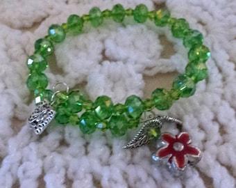 Beautiful Green Beaded Memory Wire Bracelet (I 434)