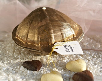 Personalised Wedding Gift Boxed Chocolate Favours Sea Shell Design