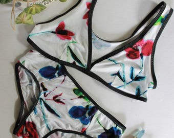 White floral modern lingerie set, bohochic summer bralette, floral modern minimalist panties