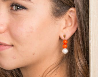 Golden earrings, glass beads orange and fresh water Pearl.