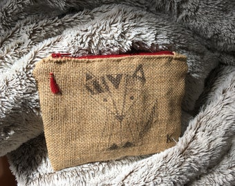 small pouch in Burlap with interior fax