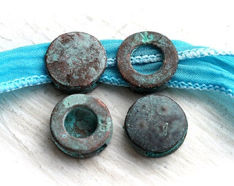 Flat round beads, Green Patina on copper, greek tab beads, Lead Free, 13mm - 4Pc - F168