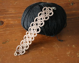 Bracelet crochet tatting taupe