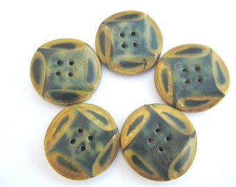 5 Antique buttons, celluloid, 27mm, beautiful unique buttons, might be collectible
