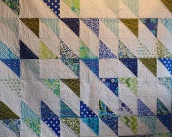 lap quilt, throw quilt, single bed quilt, blue quilt, blue and green quilt, modern quilt, man's quilt