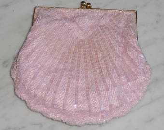 Vintage Carla Marchi Pink Beaded Shell Clam Shaped Clutch Purse w Shoulder Strap
