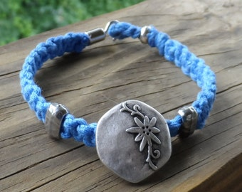 7.5 inch sky blue hemp with pewter focal point