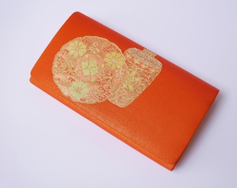Vintage Japanese clutch bag in shiny gold-orange with beautiful golden pattern/clutch bag in silk/kimonobag/Kimono Bag/party