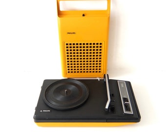 "Philips 22GF133 ""Playsound"" portable record player"