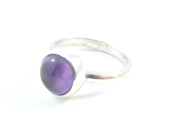 Sterling silver minimalist ring with amethyst