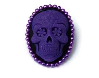 Sugar Skull Brooch Purple and Black, Rockabilly Cameo Pin, Pin up, Vintage Inspired, Day of the Dead, Dia de los Muertos