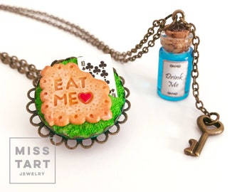 Alice in Wonderland Bff Necklace Cookie - Tea party- Drink me - Eat me