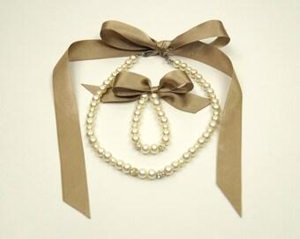 Flower girl jewelry/Dark champagne ribbon flower girl jewelry pearl necklace and bracelet/Wedding jewelry/Flower girl gifts/Kids jewelry