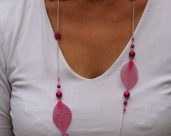 Necklace fuchsia bow tie and leaves