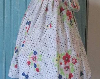 Handmade hostess apron.