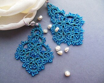Turquoise  tatting earrings, tatted lace jewelry, tatted beaded earrings, turquoise lace earrings, victorian jewelry, stylish jewelry.