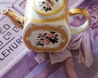 Miniature Ceramic Vintage Teapot!