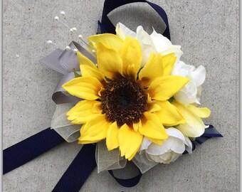Sunflower corsage. Set with boutonnière