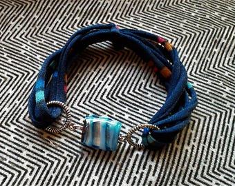 Bracelet, textile bracelet with glass bead