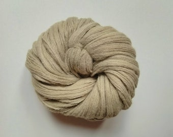 Naturally dyed with dandelion flowers, cashmere, alpaca, merino blend 4 ply yarn, 100g, 380m