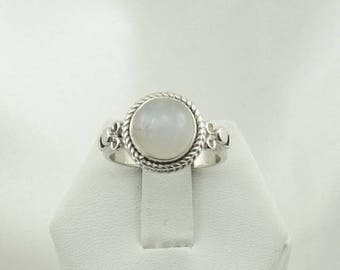 Lovely Simple Vintage Moonstone Sterling Silver Ring #MOON2-SR4