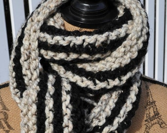 Striped Chunky Scarf - Mens Long Scarf - Womens Chunky Knit Wool Winter Neckwarmer - Teen Scarf Warm - Trendy - Fashion - Oatmeal - Black