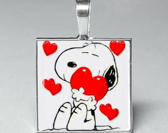 Snoopy with red hearts valentines day glass pendant necklace