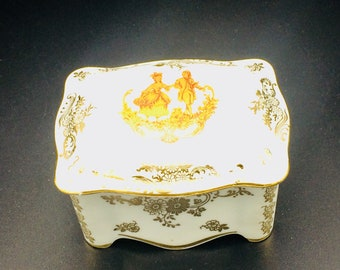 Trinket box for jewellery  porcelain box Limoges, France with romantic scene lovers