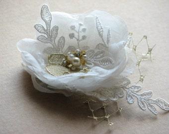 Wedding hair flower Ivory hair flower Ivory gold hair flower Ivory wedding flower Ivory gold headpiece Wedding hair piece Gold lace flower