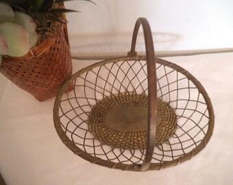 Vintage Large Brass Basket ~ Woven Pattern BEAUTIFUL