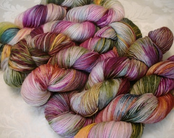 READY TO SHIP, 2 types of Fing, Dk, Variegated. Sprinkles, Hand Dyed Yarn, Color - Mine