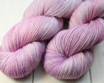 Skein hand dyed superwash Merino, Nylon and Stellina - Fingering - (5/20/75) - 100 g / 400 m - tree