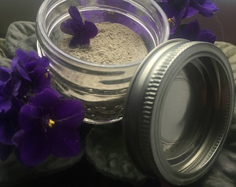 Essential oil infused tooth powder
