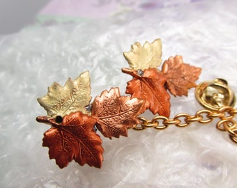 Maple Leaf Collar pins Sweater clips Cardigan clips Collar chains sweater guard Fall Leaf tie tacks Maple Leaf scatter pins