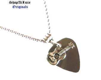 Steel Guitar Pick Necklace with New Style of Acoustic Guitar Dangle