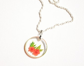 Pressed flower necklace, Red flower necklace, Dried flower pendant, Nature inspired, Resin jewelry gift, Resin pendant, Botanical necklace