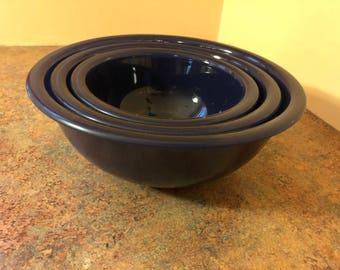 Set of Three (3) Vintage 1980s Pyrex Clear Bottom Nesting Mixing Bowls 322, 323, 325 Cobalt Blue