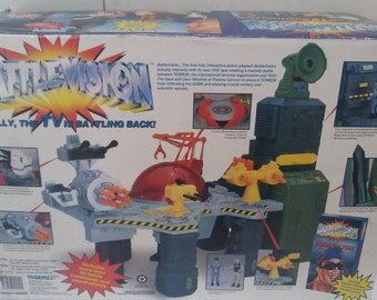 """Battlevision Command Center with 1 3/4"""" Action Figures - 1994 Tiger Electronics Game Console - Receives Commamds From TV"""