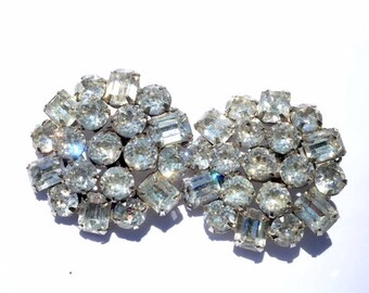 Weiss Rhinestone Cluster Earrings Vintage Designer Fashion Jewelry