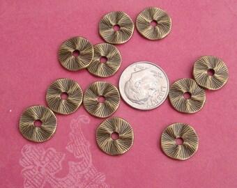 10pcs-Pendant, Charm Connector Wavy Round  Antique Bronze 13mm.