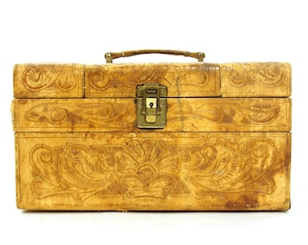 50s RARE Tooled Leather Train Case Vintage 1950s Jewelry Box Cosmetics Case Carry On Suitcase Luggage Make Up Overnight Bag with Mirror