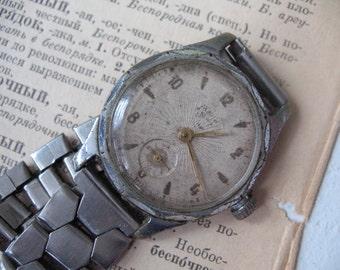 Soviet watch men Working vintage mechanical watch Russian wrist watch Men watch Mayak USSR Gift for him Men accessory