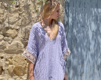 JULIE. Violet ultra soft linen poncho. Wrinkled beach cover-up with cotton lace.