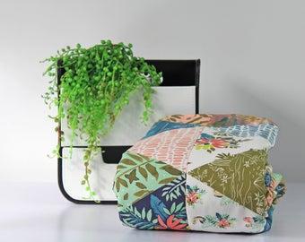 Cot Quilt/ Blanket, Baby girl cot bedding, Crib Quilt/ blanket, Baby girl nursery, Floral nursery, Baby bedding Tropical nursery, Baby room.